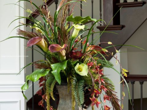 Attractive Arrangements with Silk Flowers