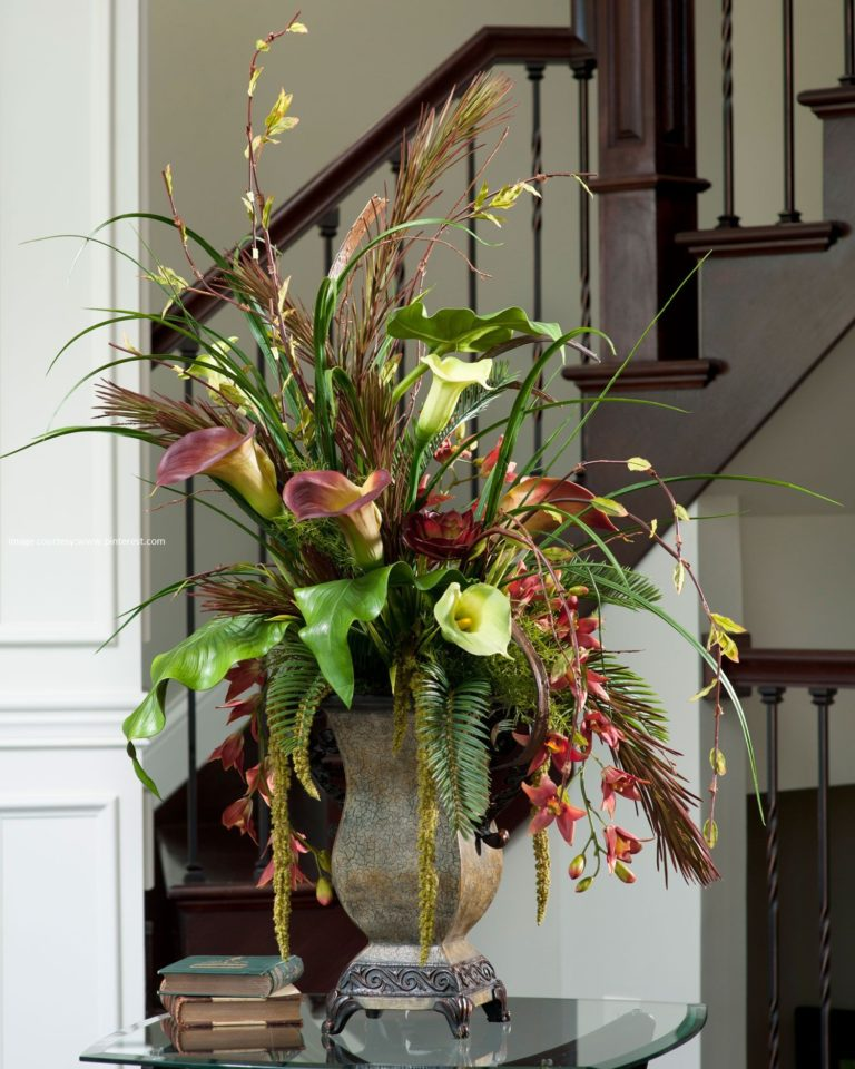 Get Attractive Arrangements with Silk Flowers