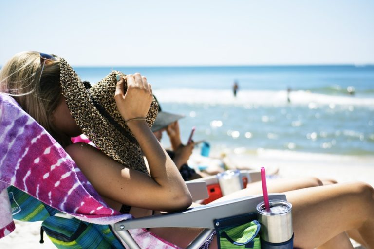 The Dark Side of Sun Exposure: How it Affects Skin Aging