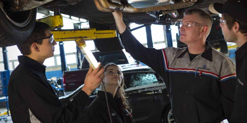 Become a Great Auto Mechanic