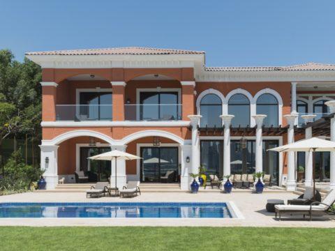 Luxurious Lifestyle – Villas in Palm Jumeirah & Estate in Dubai