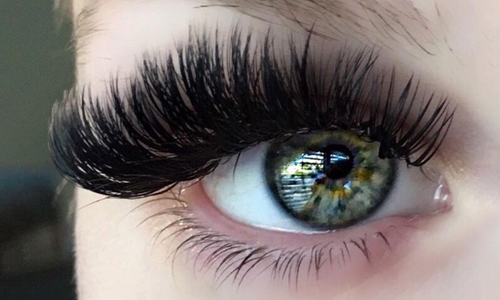 Why it is Important To Have The Best Eyelash Glue for extensions?