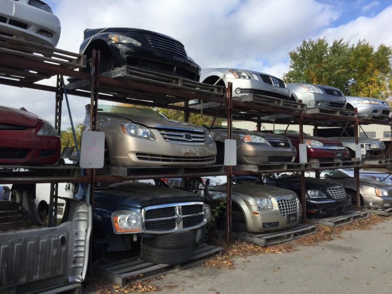 5 Auto Parts that You Can Buy from Car Wreckers Gold Coast & Save Big