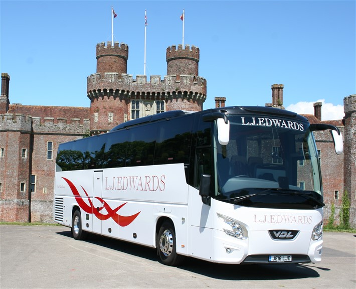 Coach Hire Sussex : Locating The Right Travel Services