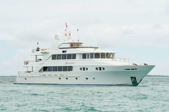 Benefits of Renting Private Luxury Yacht Charter, Bahamas