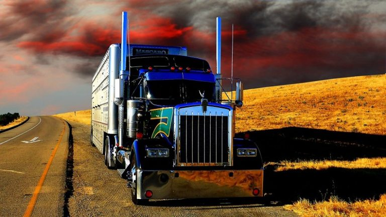 Know The Causes And The Possible Preventive Measures For Tractor-Trailer Jackknife Accidents