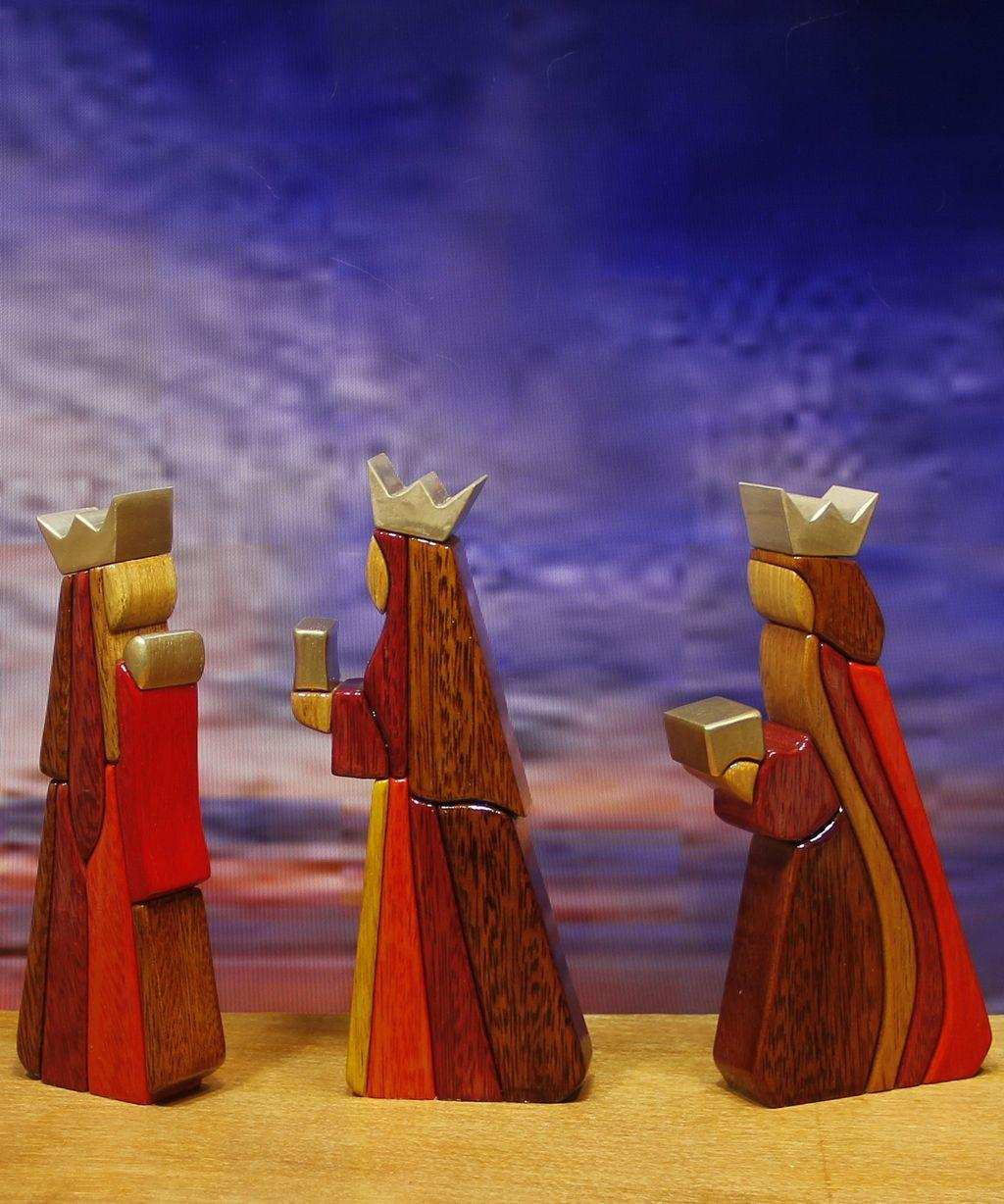 Handmade Wooden Nativity Sets – Choose the Latest One from WoodFlair