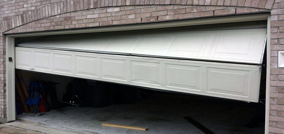 What is the cost of Hiring the Garage Door Repair Woodstock in 2021