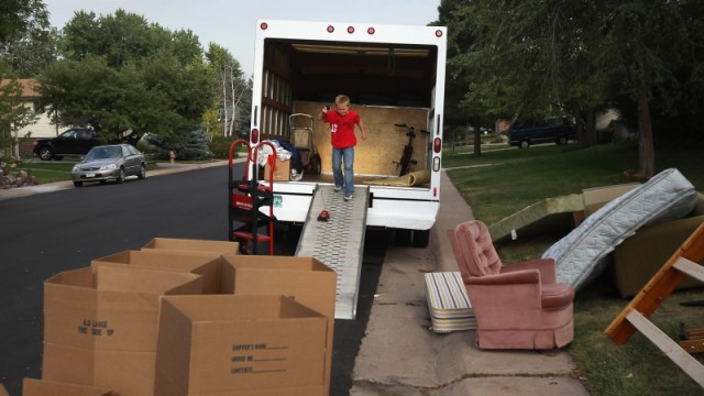 7 Perks Of Hiring Commercial Removal Services