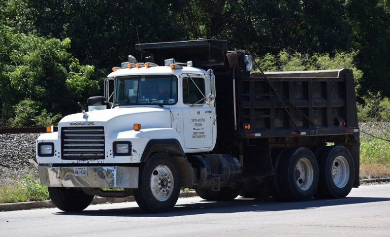 I Have Been in a Commercial Truck Accident? What should I Do?