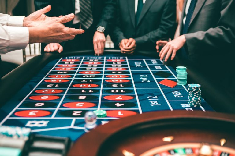 Top 5 Benefits of Playing in Online Casinos
