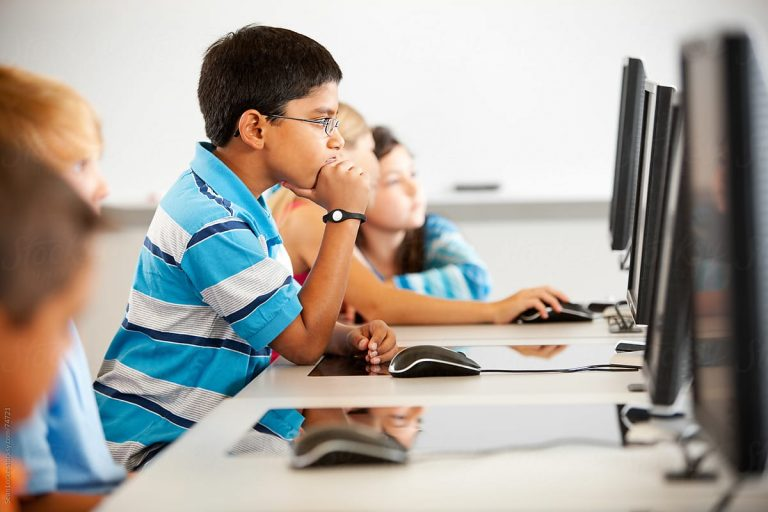 What benefits do you get in one-to-one online tutoring provided by Ekal Shiksha?